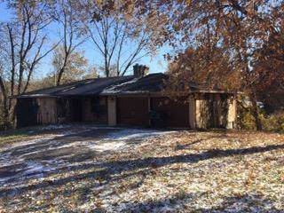 6351 Cleveland Avenue, Kansas City, KS 66109 (#2204897) :: Dani Beyer Real Estate