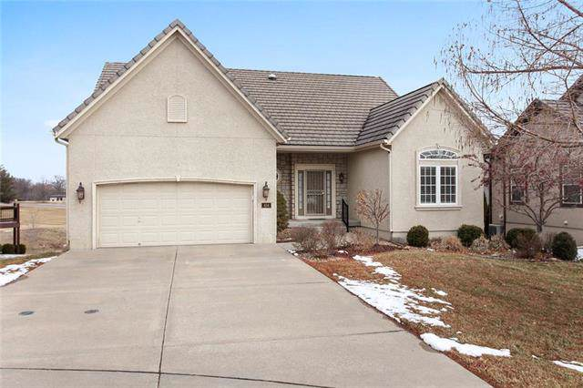 404 NW Greenview Court, Lee's Summit, MO 64064 (#2205289) :: Eric Craig Real Estate Team