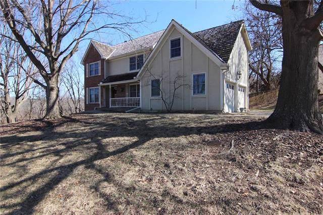 5623 Richards Drive, Shawnee, KS 66216 (#2205305) :: Kedish Realty Group at Keller Williams Realty