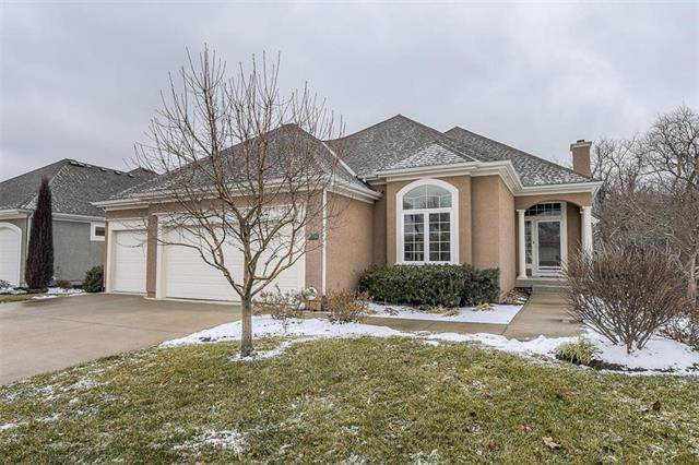 11755 Carriage Road, Olathe, KS 66062 (#2205456) :: Eric Craig Real Estate Team