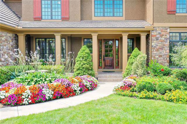 5027 W 147th Street, Leawood, KS 66224 (#2205625) :: Eric Craig Real Estate Team