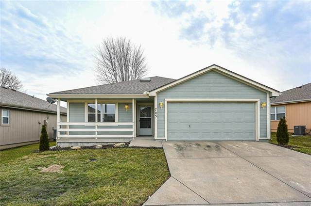 705 E Saturn Drive, Raymore, MO 64083 (#2205705) :: Beginnings KC Team