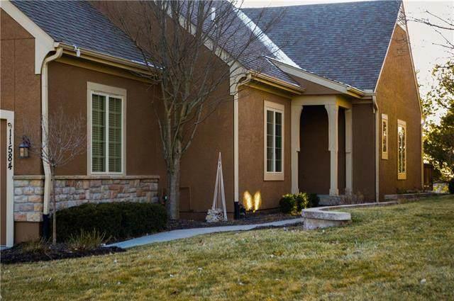 11584 S Deer Run Street, Olathe, KS 66061 (#2206155) :: Eric Craig Real Estate Team
