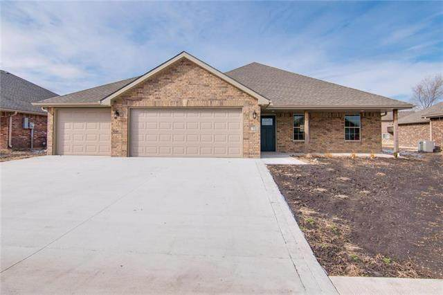 204 NW Lindsey Lane, Grain Valley, MO 64029 (#2206207) :: Team Real Estate
