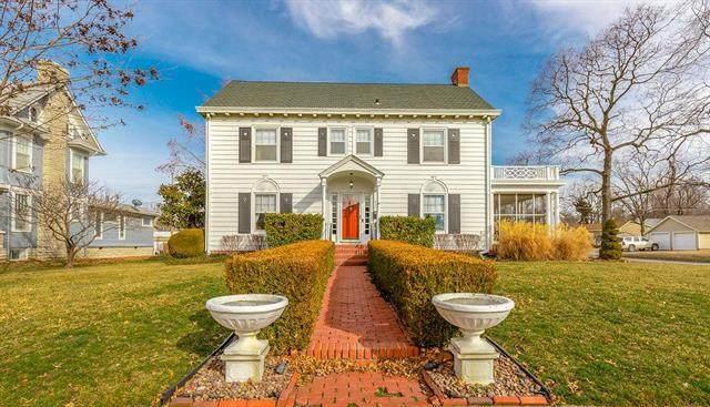 610 E Wea Street, Paola, KS 66071 (#2206210) :: Eric Craig Real Estate Team