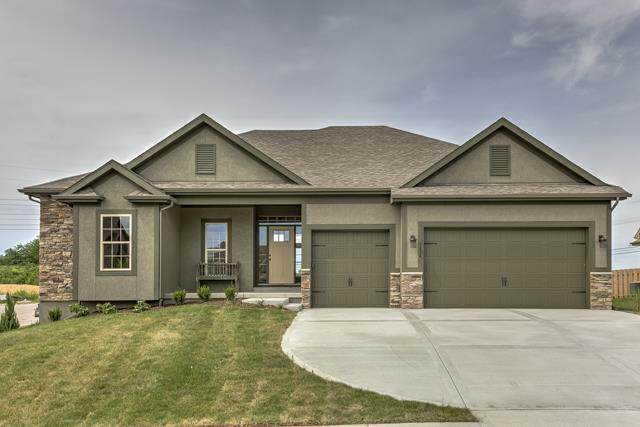8131 NW 90th Terrace, Kansas City, MO 64153 (#2206363) :: The Shannon Lyon Group - ReeceNichols