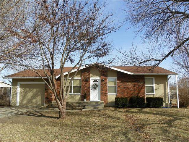 1336 Tall Grass Drive, Eudora, KS 66025 (#2206567) :: The Kedish Group at Keller Williams Realty