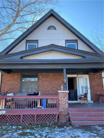 4323 Saint John Avenue, Kansas City, MO 64123 (#2206628) :: Edie Waters Network