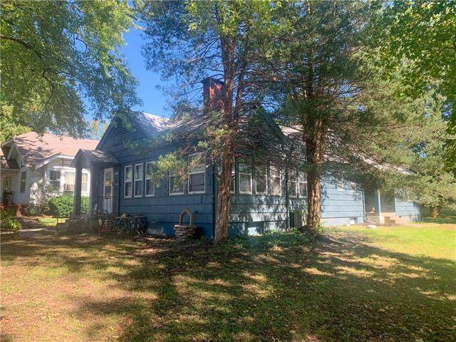 1719 S Overton Avenue, Independence, MO 64052 (#2206686) :: Eric Craig Real Estate Team