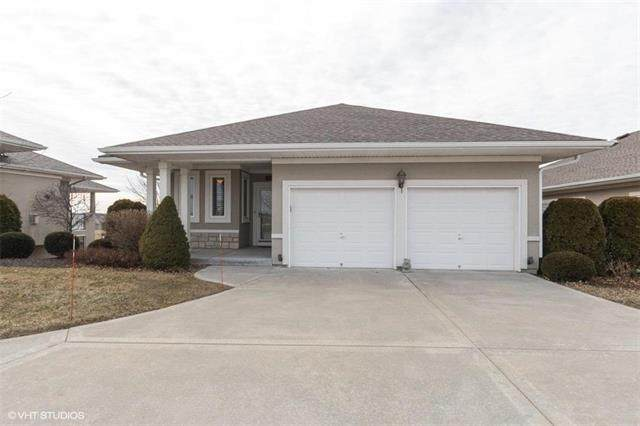 2024 Greenfield Mews Lane, Kearney, MO 64060 (#2206763) :: Team Real Estate