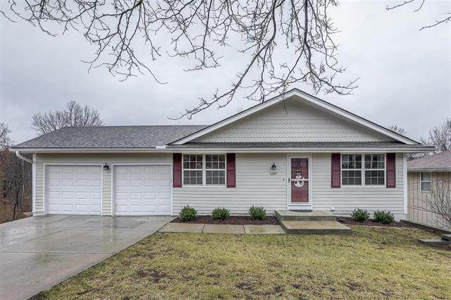 1207 NW 64th Terrace, Kansas City, MO 64118 (#2206792) :: Edie Waters Network