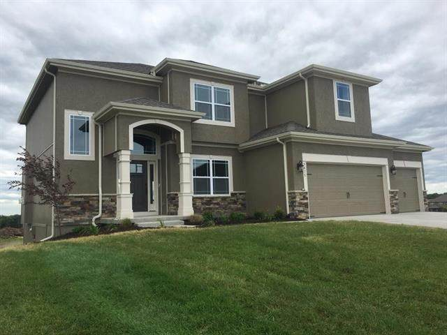 5494 Thousand Oaks Drive, Parkville, MO 64152 (#2206827) :: Audra Heller and Associates