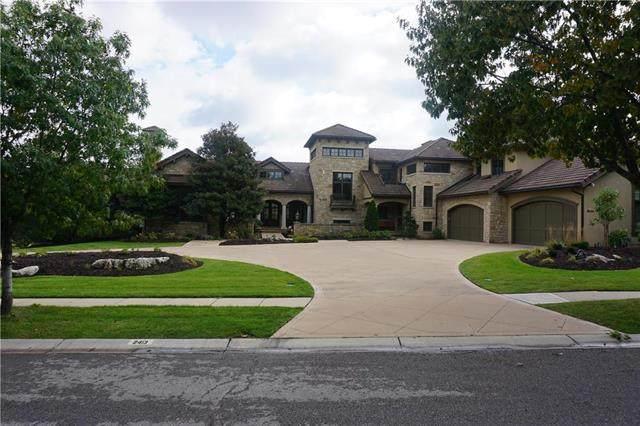 2413 W 114 Street, Leawood, KS 66211 (#2206872) :: Team Real Estate