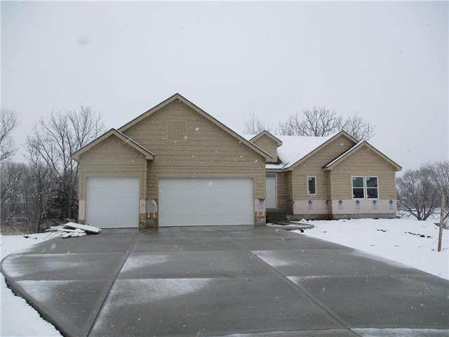 9100 SW 10th Terrace, Lee's Summit, MO 64064 (#2206873) :: Dani Beyer Real Estate