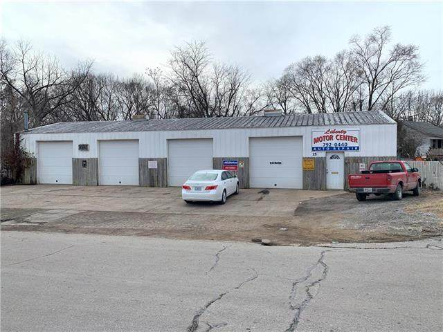 15 E Pine Street, Liberty, MO 64068 (#2206948) :: Team Real Estate
