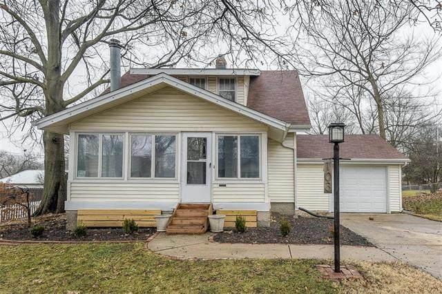 103 SW Monroe Street, Lee's Summit, MO 64063 (#2207118) :: Dani Beyer Real Estate