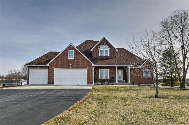 19505 S Raffurty Road, Pleasant Hill, MO 64080 (#2207238) :: The Shannon Lyon Group - ReeceNichols