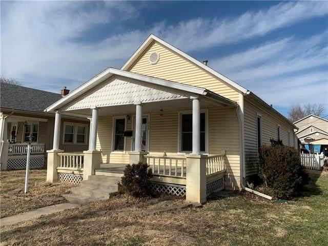 408 E Shawnee Street, Paola, KS 66071 (#2207312) :: The Shannon Lyon Group - ReeceNichols
