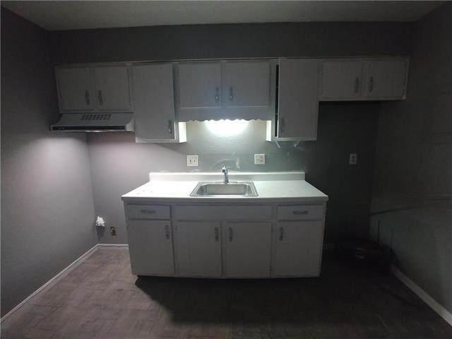 300 N Thorpe Street, Kansas City, KS 66102 (#2207350) :: Shane Griffin Group