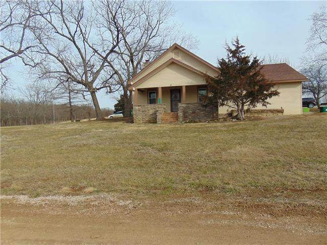 2859 NW 12001 Road, Amoret, MO 64722 (#2207401) :: Edie Waters Network