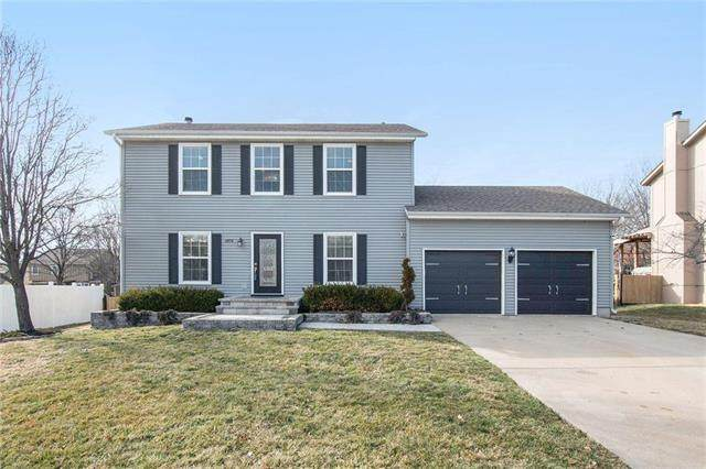 14716 S Blackfoot Drive, Olathe, KS 66062 (#2207437) :: Kedish Realty Group at Keller Williams Realty