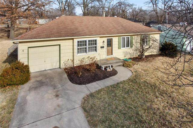 8929 Melrose Street, Overland Park, KS 66214 (#2207514) :: Kedish Realty Group at Keller Williams Realty