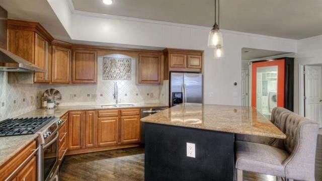 4555 Main Street #102, Kansas City, MO 64111 (#2207560) :: Audra Heller and Associates