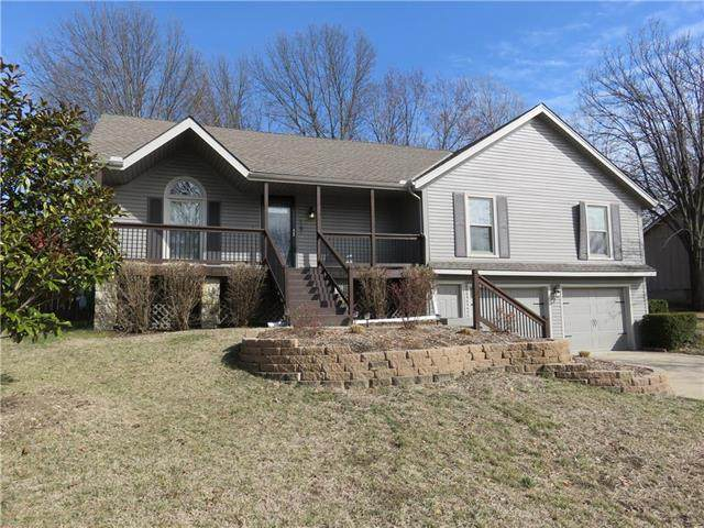 1601 NE Florence Avenue, Lee's Summit, MO 64086 (#2207573) :: House of Couse Group