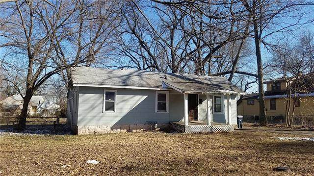 7943 Garfield Avenue, Kansas City, MO 64132 (#2207604) :: Kedish Realty Group at Keller Williams Realty