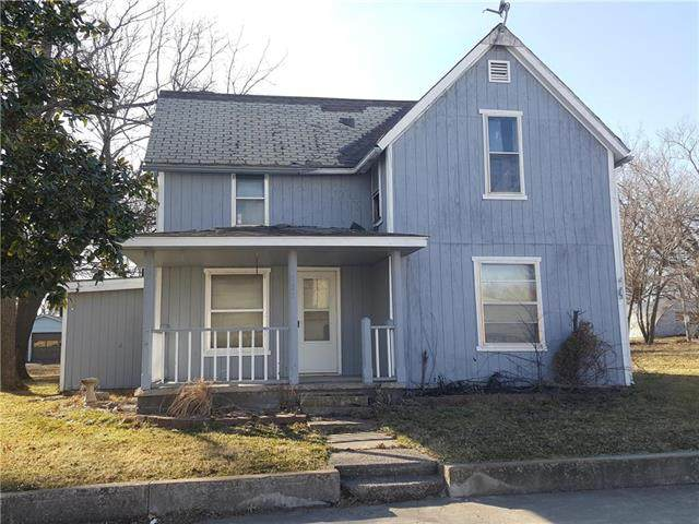 632 Main Street, Wellsville, KS 66092 (#2207614) :: House of Couse Group