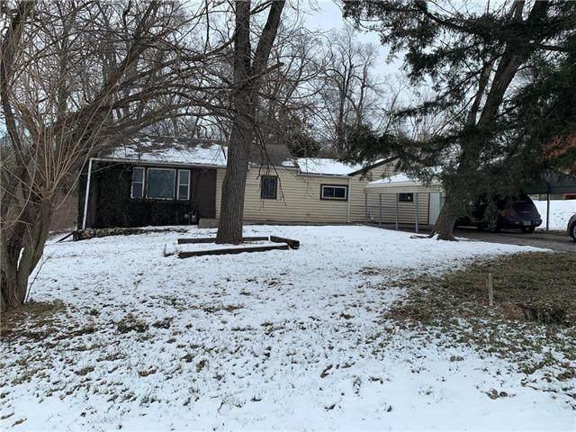 7841 Smalley Avenue, Kansas City, MO 64138 (#2207683) :: The Shannon Lyon Group - ReeceNichols