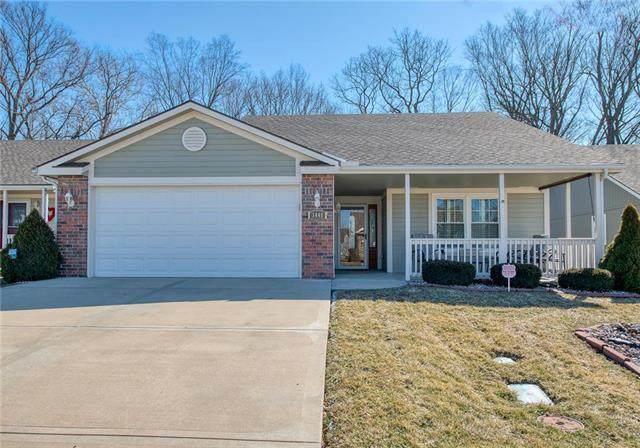 5445 S Duffey Avenue, Independence, MO 64055 (#2208042) :: Beginnings KC Team