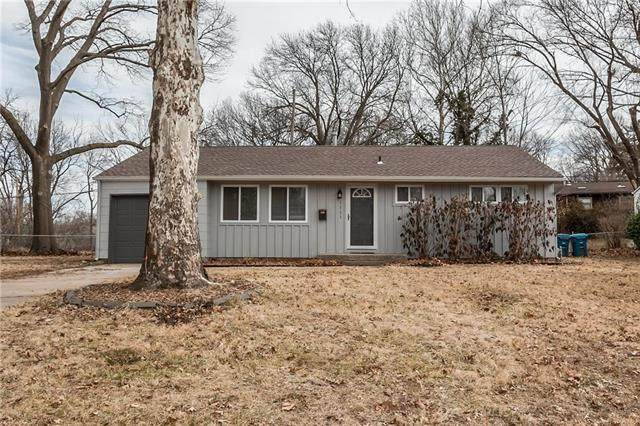 7721 Ash Street, Prairie Village, KS 66208 (#2208064) :: Beginnings KC Team