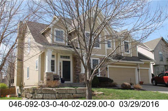 21711 W 99th Terrace, Lenexa, KS 66220 (#2208134) :: The Shannon Lyon Group - ReeceNichols