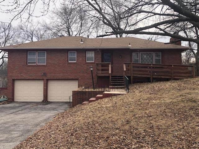 6413 E 55TH Terrace, Kansas City, MO 64129 (#2208176) :: The Shannon Lyon Group - ReeceNichols
