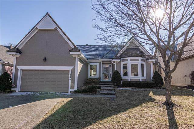 5309 W 122nd Terrace, Overland Park, KS 66209 (#2208187) :: Beginnings KC Team