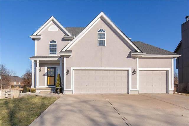 1113 Brookwood Drive, Kearney, MO 64060 (#2208216) :: Austin Home Team