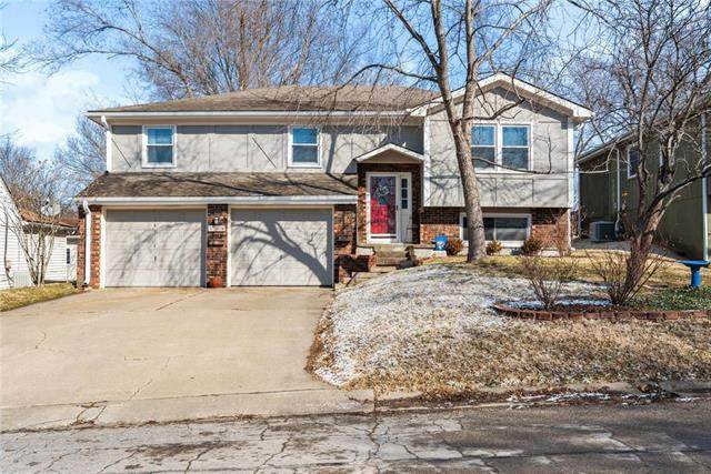 404 E Ottawa Street, Paola, KS 66071 (#2208254) :: Edie Waters Network