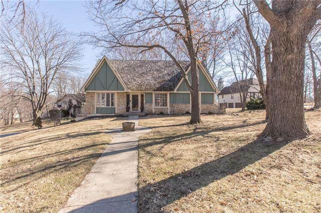 3503 NE Beechwood Circle, Lee's Summit, MO 64064 (#2208318) :: Eric Craig Real Estate Team