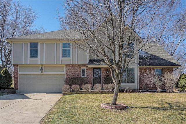 204 NW Redwood Court, Lee's Summit, MO 64064 (#2208334) :: Eric Craig Real Estate Team