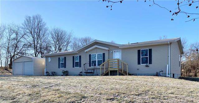 19717 S State Route 7 Highway, Pleasant Hill, MO 64080 (#2208340) :: The Shannon Lyon Group - ReeceNichols