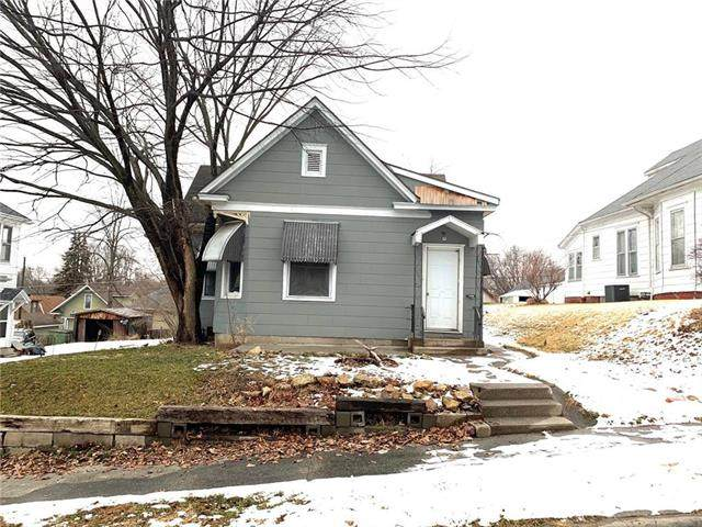 3109 Seneca Street, St Joseph, MO 64507 (#2208396) :: Kedish Realty Group at Keller Williams Realty