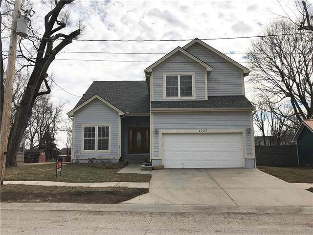 1006 Timber Street, Pleasant Hill, MO 64080 (#2208399) :: NestWork Homes