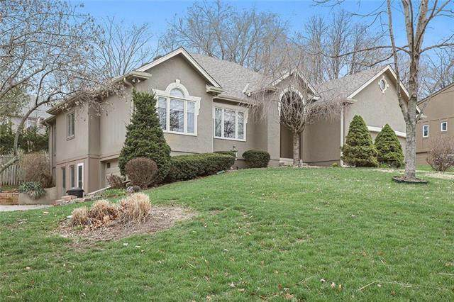 8007 NW Pleasant Ford Road, Weatherby Lake, MO 64152 (#2208513) :: Audra Heller and Associates