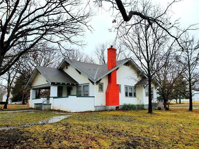 205 E Broad Street, Pleasanton, KS 66075 (#2208524) :: Eric Craig Real Estate Team