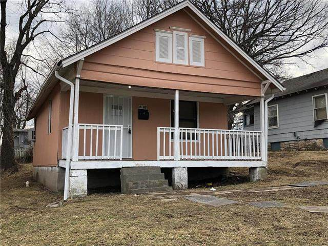 5605 E 30th Terrace, Kansas City, MO 64128 (#2208648) :: Eric Craig Real Estate Team