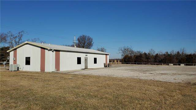 35688 Old Kc Road, Osawatomie, KS 66064 (#2208942) :: Eric Craig Real Estate Team