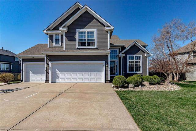 712 SW Gentry Lane, Lee's Summit, MO 64081 (#2208995) :: House of Couse Group