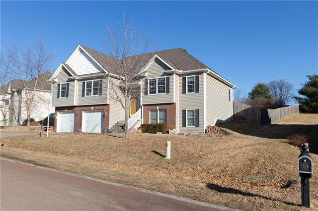 5125 Brookhaven Drive, St Joseph, MO 64507 (#2209045) :: Edie Waters Network