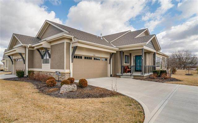 11509 S Waterford Drive, Olathe, KS 66061 (#2209051) :: House of Couse Group